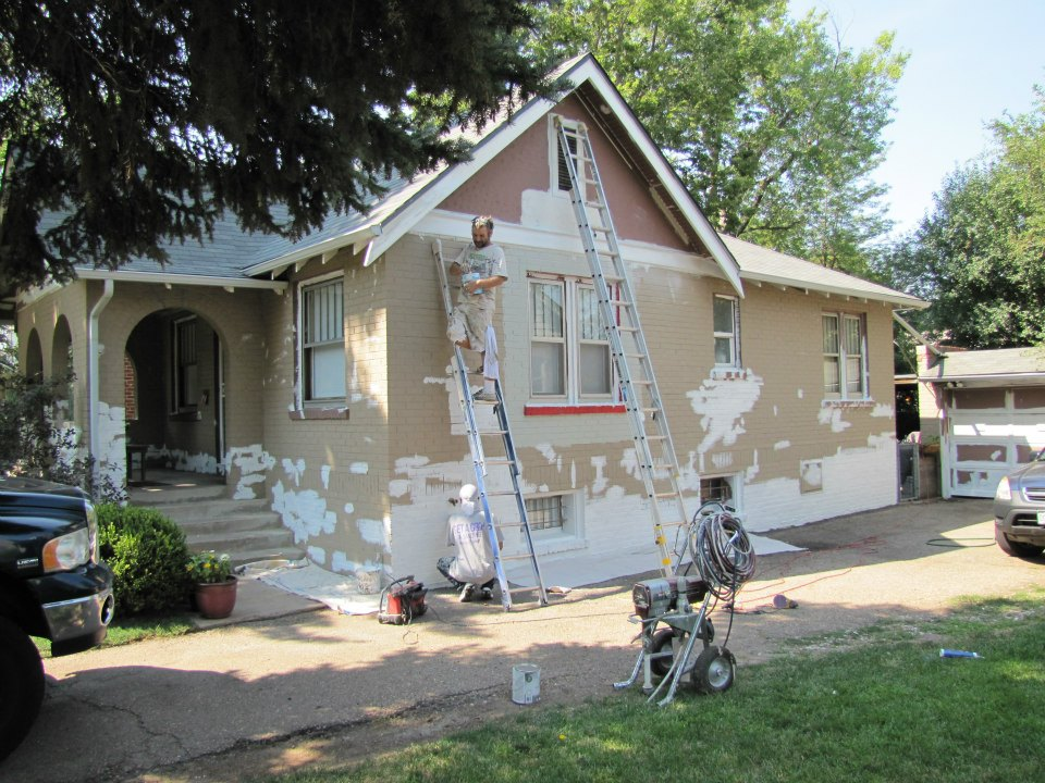 The Cost To Paint Outside Of A Los Angeles House
